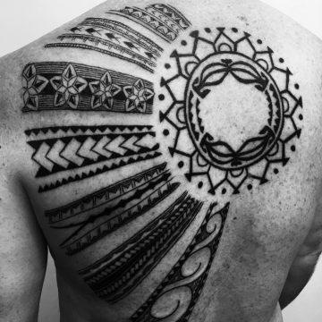 marc-pinto-primitive-tattoo-perth-great-snake-tradtional-colour-ink-tattooinspiration-deisgn-creative-artist-sun-handpoked-backpiece-2560×3413