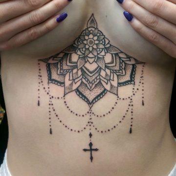 primitive-tattoo-sternum-mandala-beautiful-woman-female-cheain-cross-petra