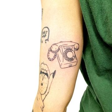 Montaine Primitive tattoo best handpoke small tattoo specialists outlines script www.primitivetattoo.com.au204